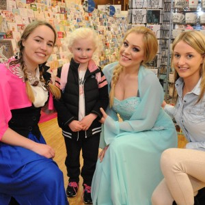 Alisha O'Brien and her Mum Jaquelin from Ballyphehane with Elsa and Anna from Frozen at Merchants Quay S.C. part of the Feel Good Friday party day in Cork. The event takes place on the last Friday of every month. Photo Billy macGil
